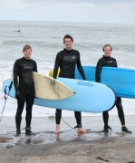 Jeff gives a surfing lesson!